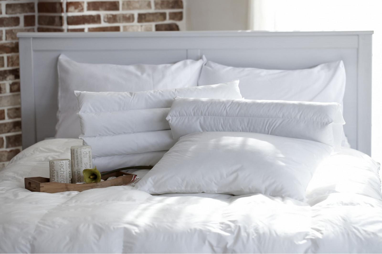 Как ухаживать за пуховым одеялом и подушкой?
